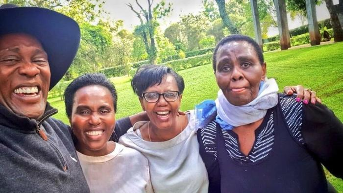 Jeff Koinange posted a photo of his family which warmed Kenyans hearts on social media.