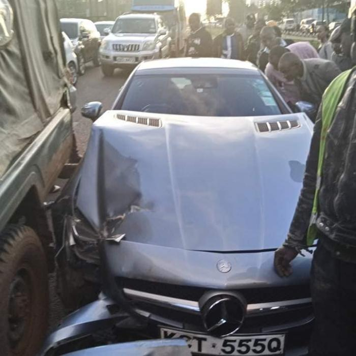 Jalang'o's damaged Mercedes Benz after it hit the rear of an police van on Wednesday, October 30.
