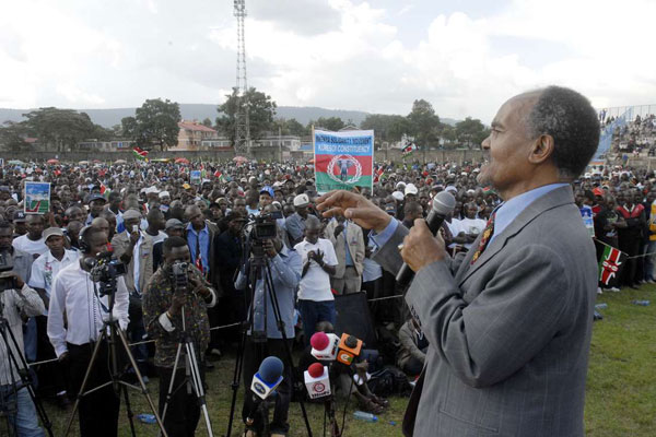 Former Minister GG Kariuki addressing a congregation in Nakuru on June 30, 2012.
