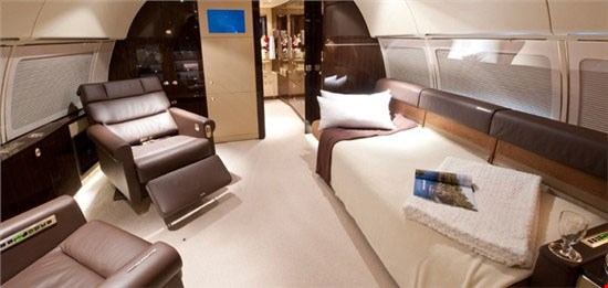 An inside look at the Airbus 318 Elite.