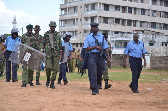 Police at Tononoka Grounds in Mombasa on Sunday, October 20. DCI foiled a planned attack on government installations in Mombasa.