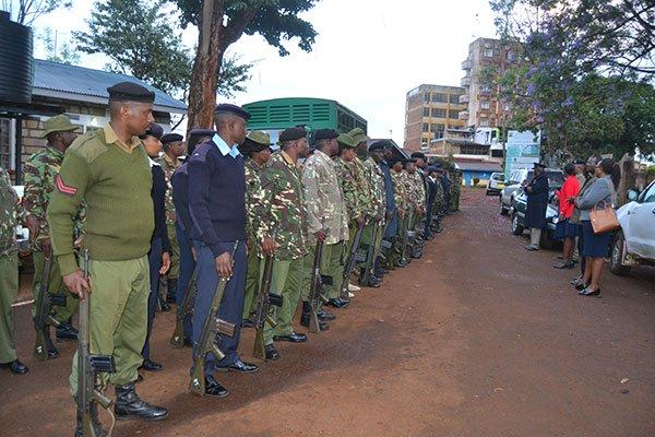 Police officers in Tharaka-Nithi County being briefed in Chuka town on October 29, 2019, before leaving to guard KCPE exams.