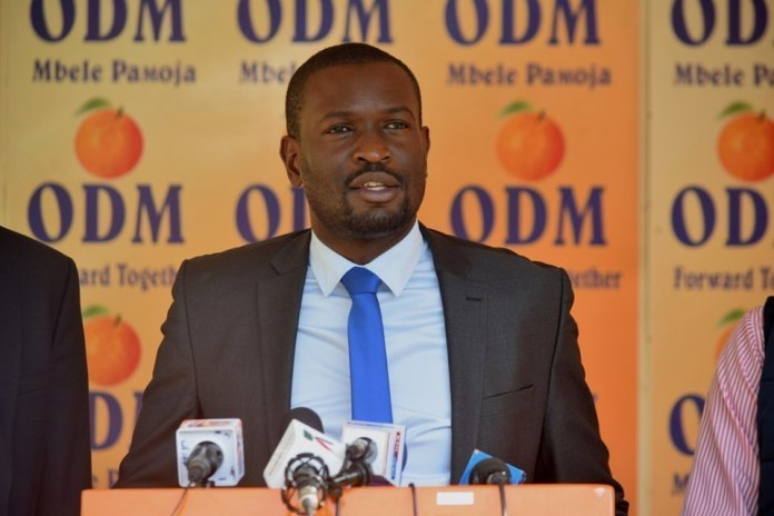 A Kibra resident complained that the ODM Sec-Gen Edwin Sifuna was engaging in corrupt activities.
