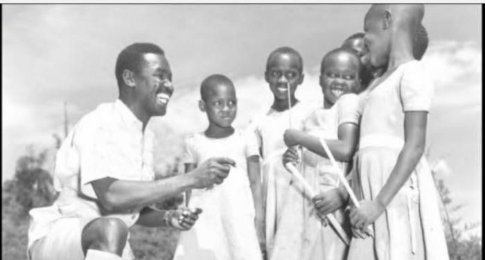Baringo District Education_officer Moses Mudavadi father to Musalia Mudavadi with primary school kids 1958