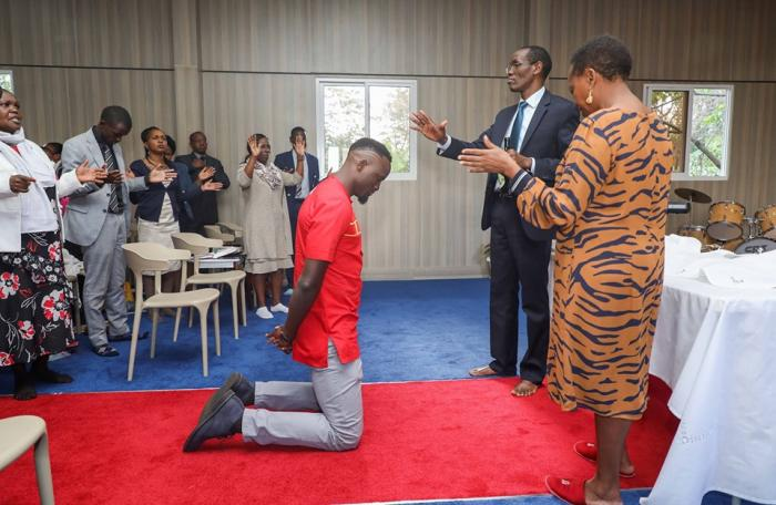 Jubilee Party candidate for Kibra by-election McDonald Mariga kneeling for prayers at the National Prayer Altar inside Deputy President William Ruto's official residence on Wednesday, October 30, 2019.
