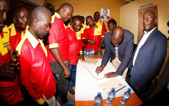 DP William Ruto registers as a tout at a Sacco in Kitale on Friday, December 13, 2019