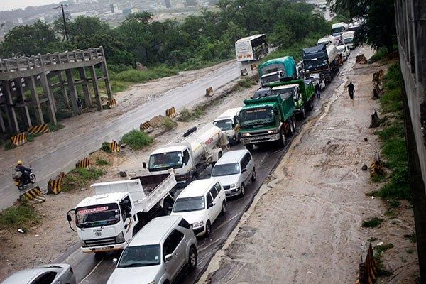 A traffic jam along Makupa Causeway in Mombasa on November 12, 2019, following floods caused by heavy rains.