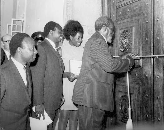 Jomo Kenyatta opening the KCB Moi Ave branch in 1970. Looking on is John Michuki the banks' Chair and Mwai Kibaki.