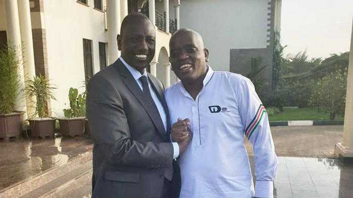 DP Ruto with blogger Dennis Itumbi. On Sunday, October 20, Itumbi argues that he works at State House and not at the DP's office