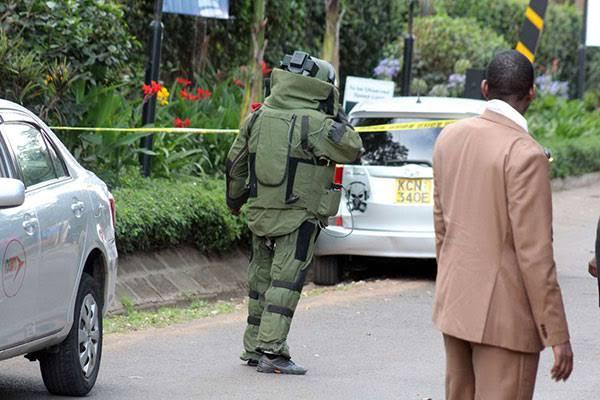 Bomb Disposal Unit officers at Doctors Plaza in Parklands, Nairobi.