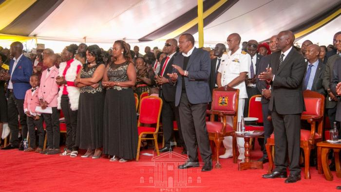 The president and his deputy at the funeral service