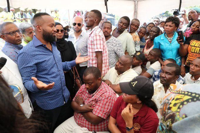 Governor Joho tries to address a crowd in Likoni. They were outraged for taking two days to visit the scene of the Likoni Ferry tragedy.