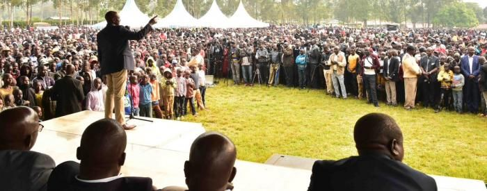 DP Ruto addresses a crowd at