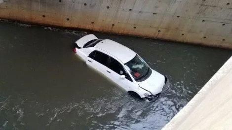 The vehicle that plunged into Nairobi River on Saturday, February 15
