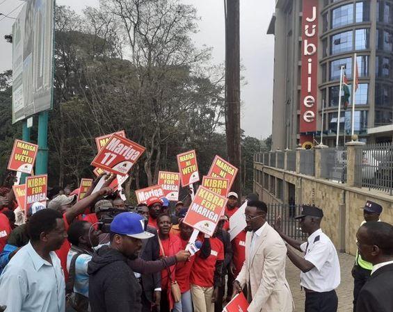 Former Kenya international footballer McDonald Mariga arrives at the Jubilee Headquarters for vetting.