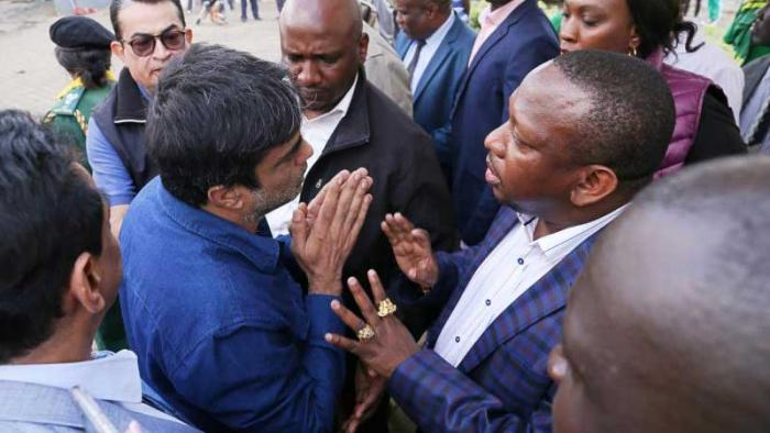 Nairobi Governor Mike Sonko demanding the recovery of public land that had allegedly been grabbed and a private car showroom built on it in Gigiri in August 2018.