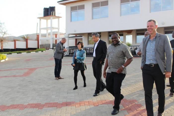 Guests pictured outside Francis Atwoli's Kajiado palace, August 2016.