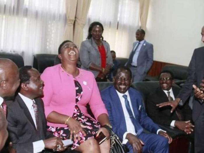 Malindi MP Aisha Jumwa with ODM leader Raila Odinga and other ODM leaders when they paid her a courtesy visit at her offices.