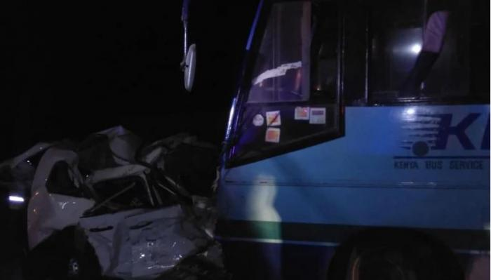 5 people died after a probox collided head-on with a bus belonging to KBS which in turn hit a pickup truck.