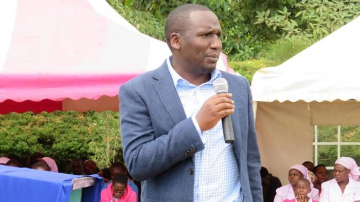 Kericho Senator Aaron Cheruiyot during a past address. He claims to have been summoned by Deputy President William Ruto to save Interior CS Fred Matiang'i from impeachment