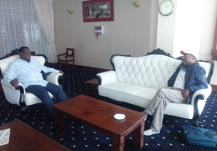 Former Deputy Prime Minister Musalia Mudavadi with Murang'a Governor Mwangi wa Iria during their meeting on October 12. Mudavadi had gone to clear the air on the emotive tea issue after the court directed that an udit be conducted on KTDA which Mudavadi privatized when he was the minister for agriculture.