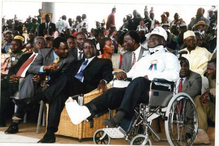 Mwai Kibaki (right) with Raila Odinga and Kalonzo Musyoka when he returned from special treatment in London in 2002