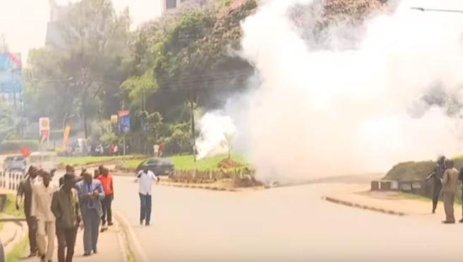Police hurled tear gas canisters at Mike Sonko's supporters at EACC headquarters on Tuesday, November 5, 2019