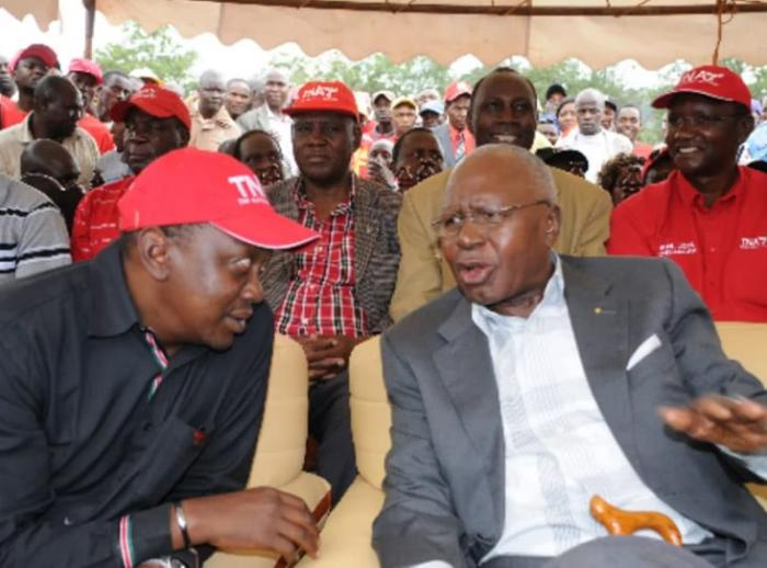 President Uhuru Kenyatta and Simeon Nyachae at a campaign rally in Kisii in 2012.