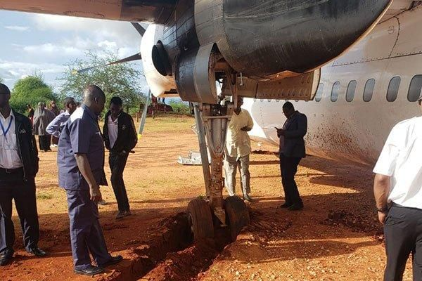 the tire of the plane that got stuck in the mud in Mandera on October 20