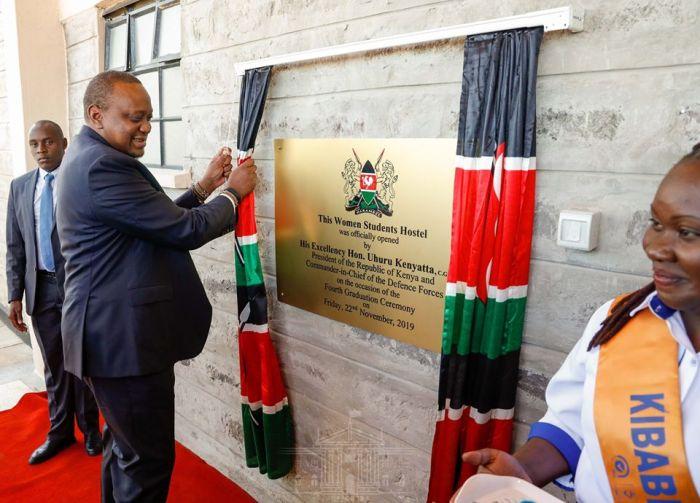 President Uhuru officially opening a Hostel in Kibabii University Friday November 22