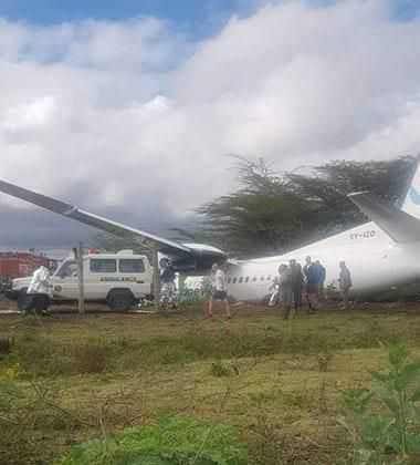 A Silverstone Airline plane crash-landed at Nairobi National Park while on it way to Lamu.
