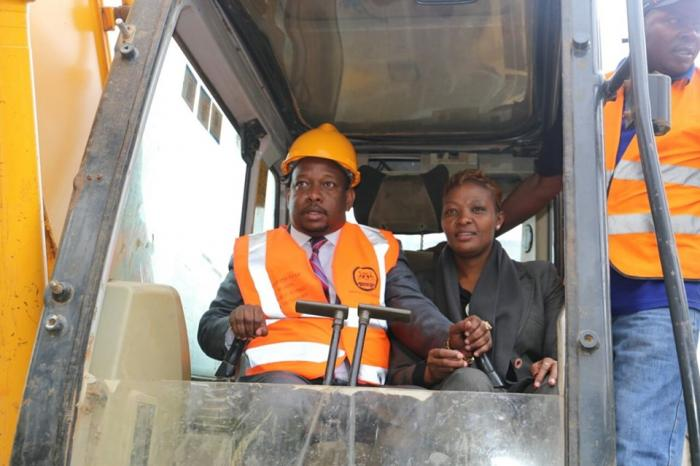 "sonko recarpeting of likoni link road in south b on may 11 - ""He has done an excellent job in only one year"" – WORLD BANK Showers SONKO with waters of accolades"