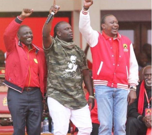 Kriss Darlin with Uhuru Kenyatta and DP William Ruto during the 2017 election campaigns.