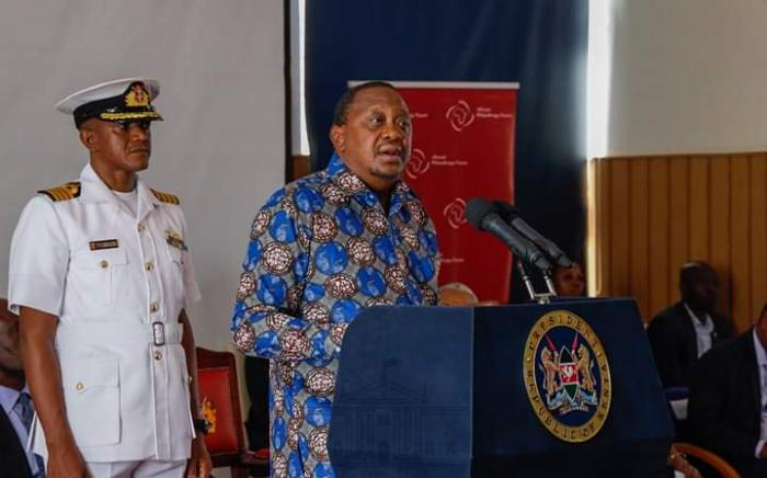 President Uhuru Kenyatta addresses leaders form the Mount kenya region on Firday, November 15 at the Sagana State Lodge.
