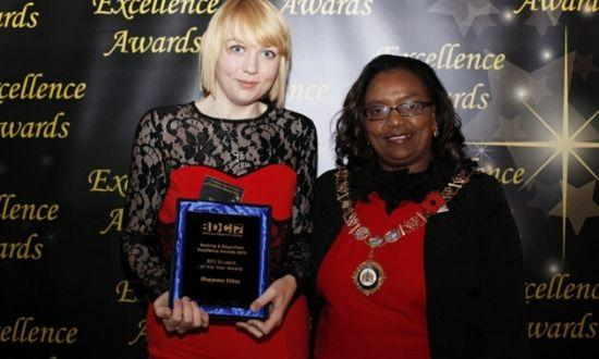 Rheanna Stiles and Councilor Elizabeth Kangethe, holding her Barking and Dagenham College Student of the Year Award on November 12, 2014.