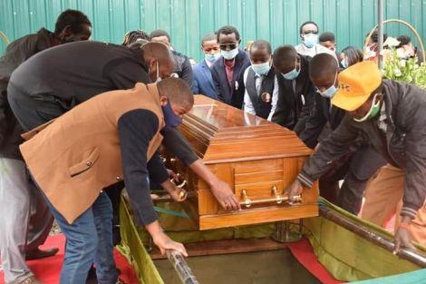 Water CS Sicily Kariuki's daughter Wendy Muthoni being buried on Wednesday, July 29, in Nyandarua County