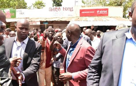 Ruto's Spending Spree Becomes Bodyguard's Nightmare [PHOTOS] - Kenyans.co.ke