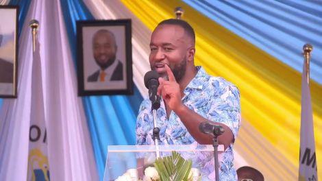Mombasa Governor Hassan Joho addresses the public on January 23, 2020.