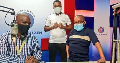 Radio Citizen presenters Inspekta Mwala (right), Beki Mwamburi (centre) and Vincent Ateya (left).