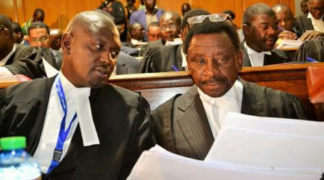 Lawyers Otiende Amollo and James Orengo in court