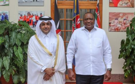 President Uhuru Kenyatta (right) and Dr Mutlaq bin Majed Al-Qahtani, who is the Special Envoy of the Foreign Minister of the State of Qatar at State House on Thursday, May 6, 2020.