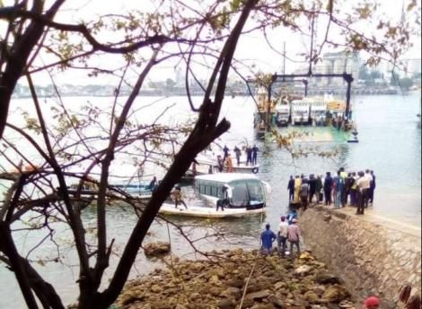 Rescuers pull the sinking bus from Indian Ocean on Sunday, January 10, 2020.