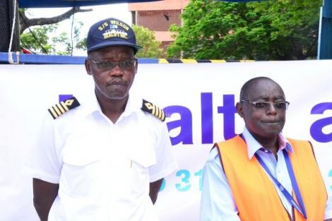 General Manager Operations and Harbour at Kenya Ports Autority (KPA) Master Captain William Ruto (L)