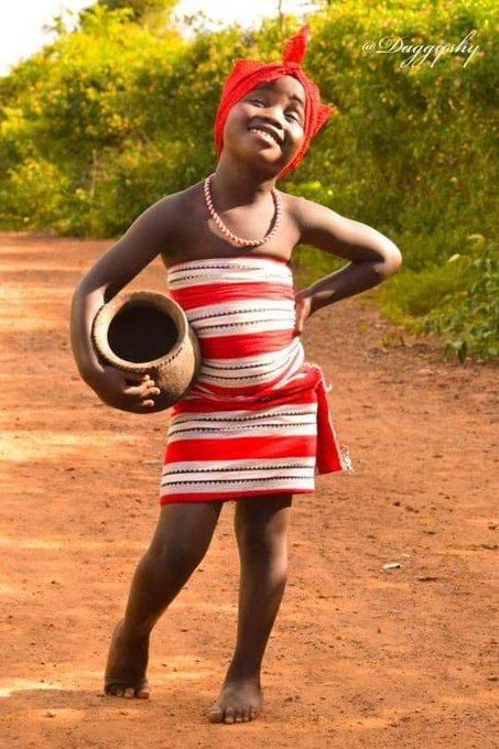 One of the photo's from Daggy Shy's viral Baringo Girl series