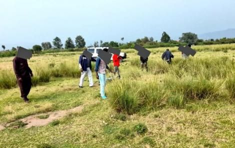 Suspect leading police to his hideout in Ndimu Ndege area, Nakuru County.