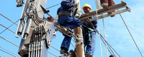 File image of Kenya Power technicians making repairs