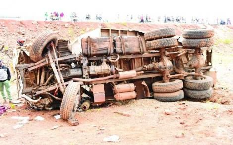 A damaged trailer that lost control after hitting a matatu leading to deaths of seven people with many others sustaining injuries at Kaburengu area along Kakamega-Webuye road