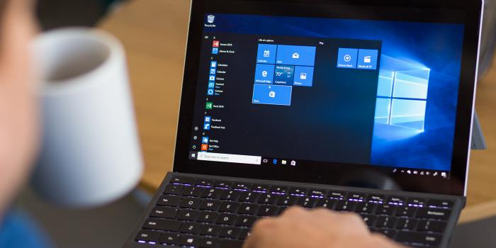 Microsoft halts Windows 10 update after users lose files
