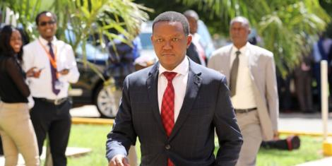 Machakos Governor Dr Alfred Mutua arrives at Kenya School of Government (KSG), Lower Kabete, Kiambu for a Consultative Devolution meeting on Thursday, February 20, 2020.