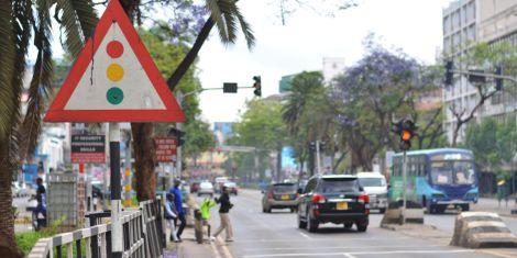 Cars pictured at a traffic light along Kenyatta Avenue in Nairobi